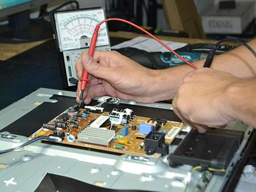 Conserto equipamentos informática