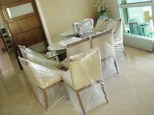 embalando cadeiras