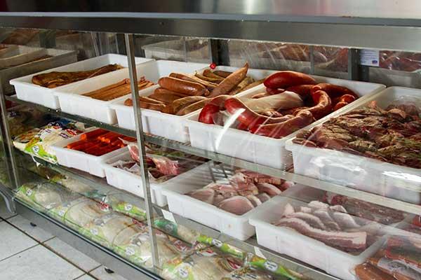 linguiças-e-carnes