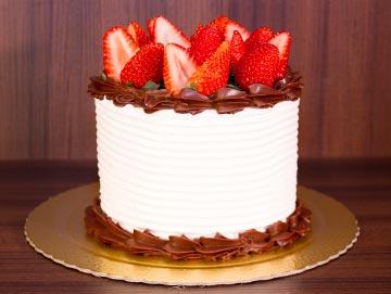 bolo-chocolate--morango