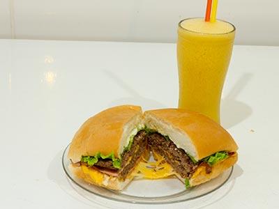 Lanches com hambúrguer