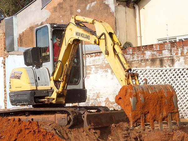 Mini escavadeira para locação